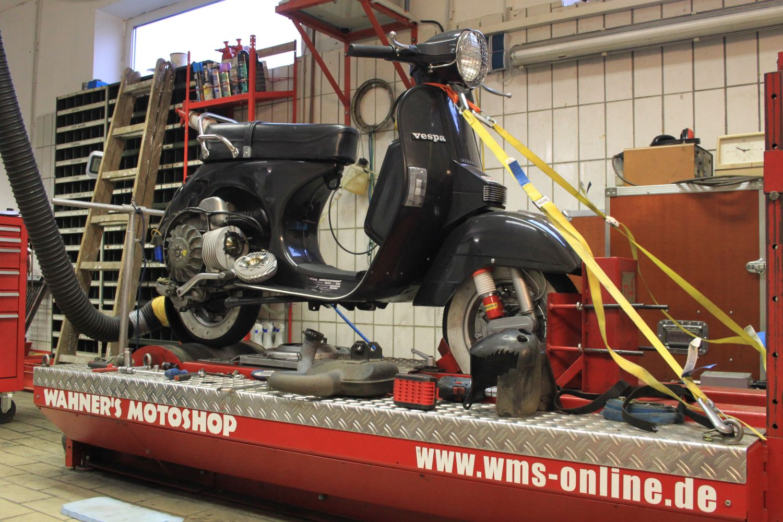 P4-Pruefstand-Zylindertest-Vespa-PX-200-rollerJOURNAL-Polini-Malossi-wms24de