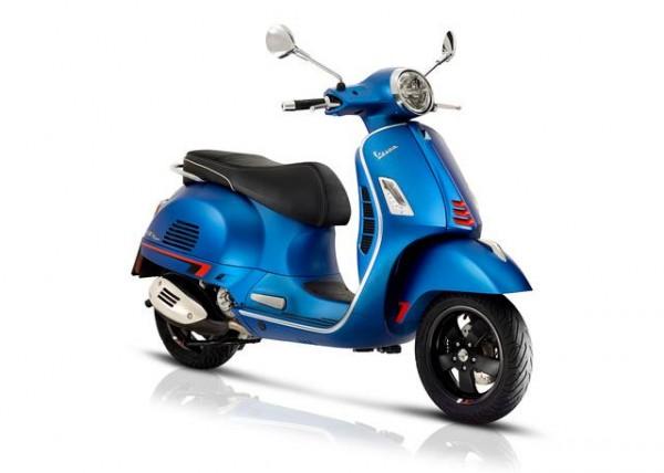 Vespa-GTS-300-Super-HPE-blau-2018