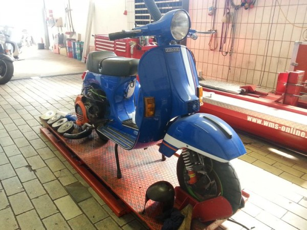 Vespa_PX_Street_Racer_1